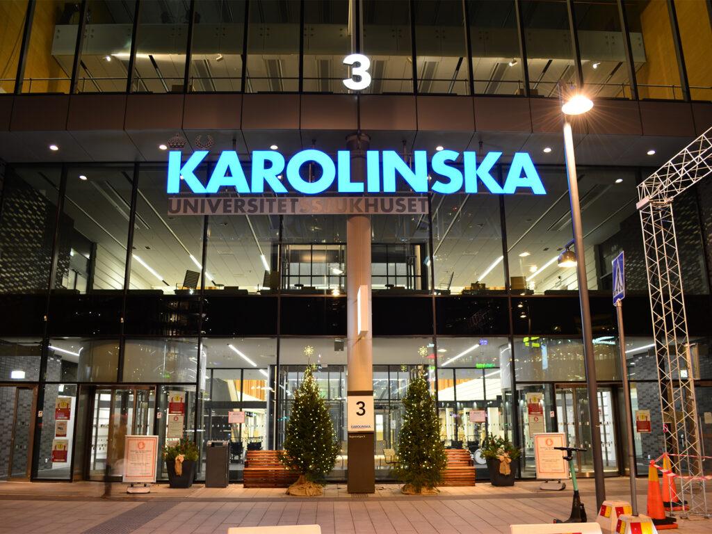 Exteriör entré Nya Karolinska Solna